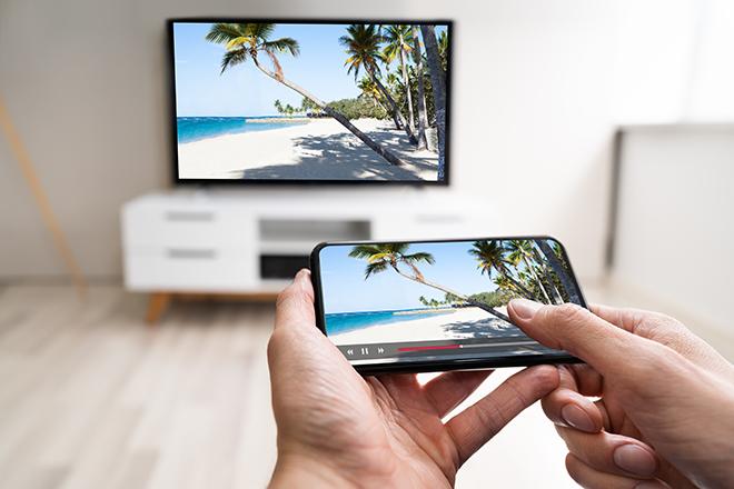 映ら 接続 ない スマホ テレビ 有線 iPhone・スマホの画面を「無線」でテレビに映す方法