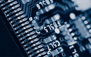 高性能ICが最適な出力で最速に充電